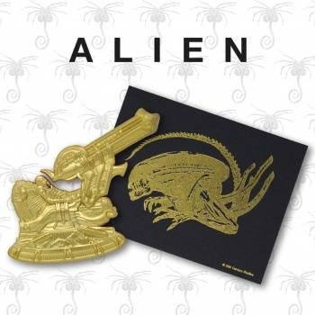 Alien 24K Gold Plated XL Premium Pin Badge